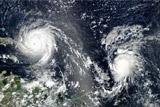 Впервые за семь лет в Атлантике сформировались сразу три урагана