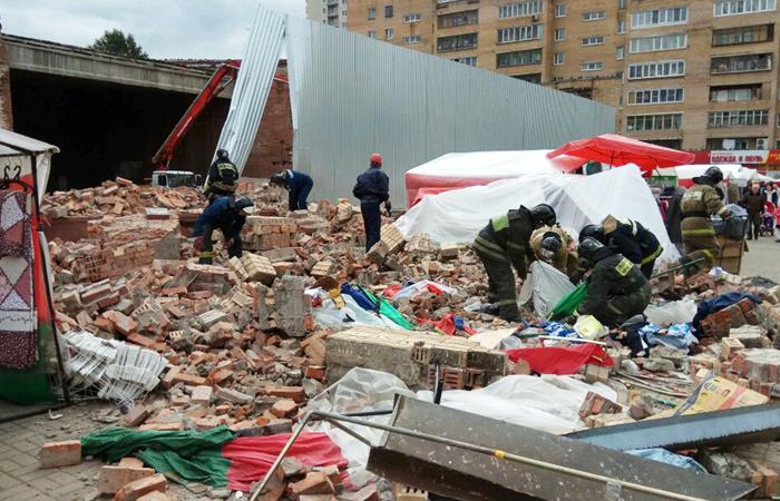В результате обрушения стены кинотеатра в Балашихе пострадали семь человек