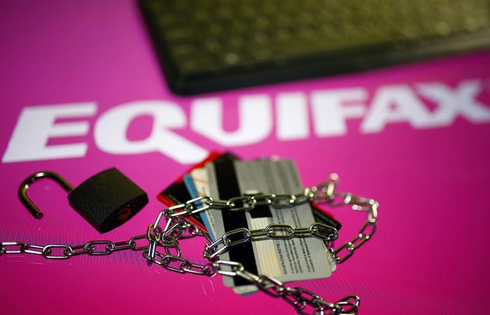 Хакеры получили доступ к данным 143 млн клиентов кредитного бюро Equifax