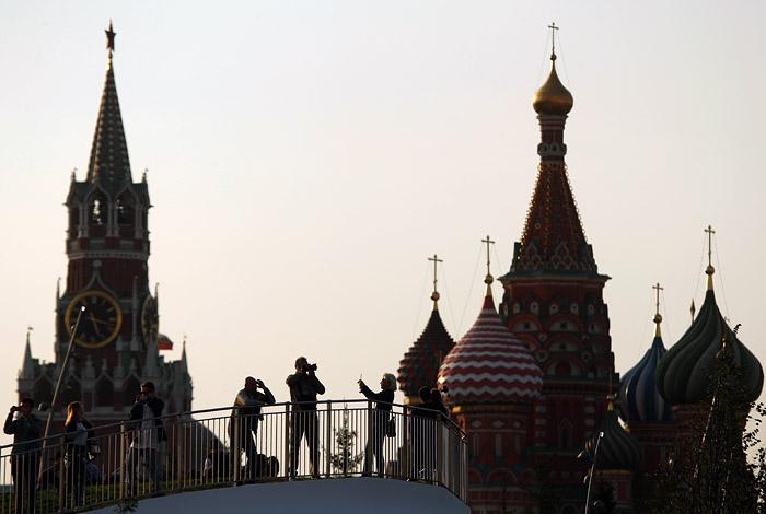 В полицию поступил звонок об угрозе взрыва на Красной площади