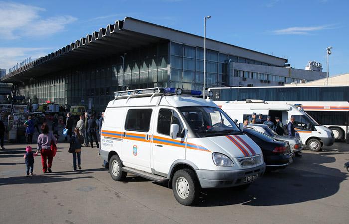 Экстренные службы Москвы получили сигналы о минировании вокзалов и ТЦ