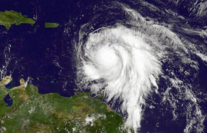 """Урагану """"Мария"""" на Карибах присвоена максимальная категория мощности"""