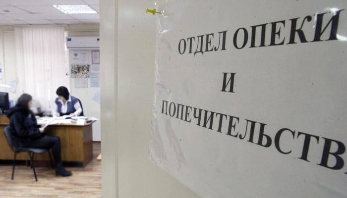 СК проверит законность изъятия приемных детей у удалившей грудь жительницы Урала
