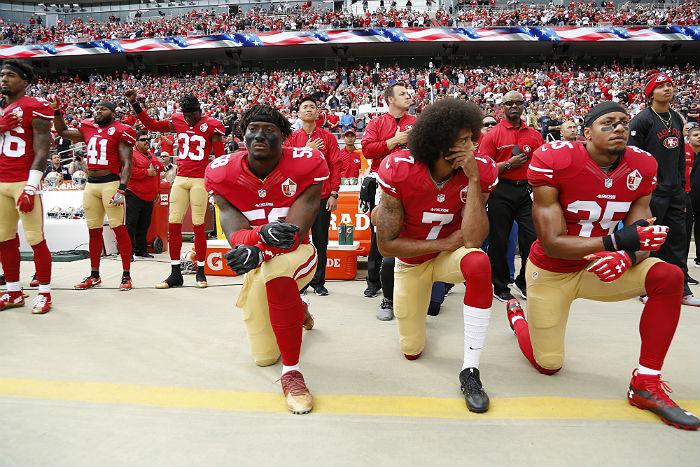 Трамп запретил спортсменам вставать наколени вовремя звучания гимна