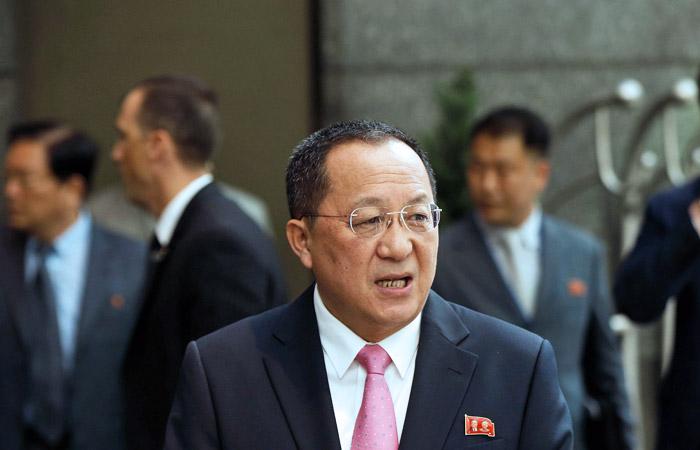 Глава МИД КНДР заявил о праве Пхеньяна сбивать военные самолеты США