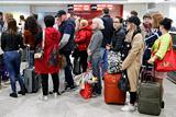 """Регулярные рейсы """"ВИМ-Авиа"""" раздали семи авиакомпаниям"""