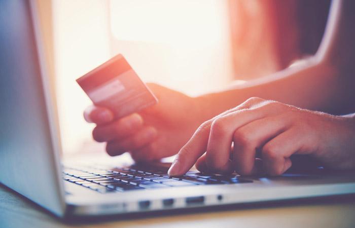 Беспошлинный порог для интернет-покупок будет снижен в50 раз