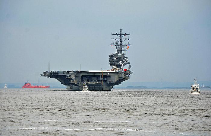 США направят авианосную ударную группу к берегам Северной Кореи