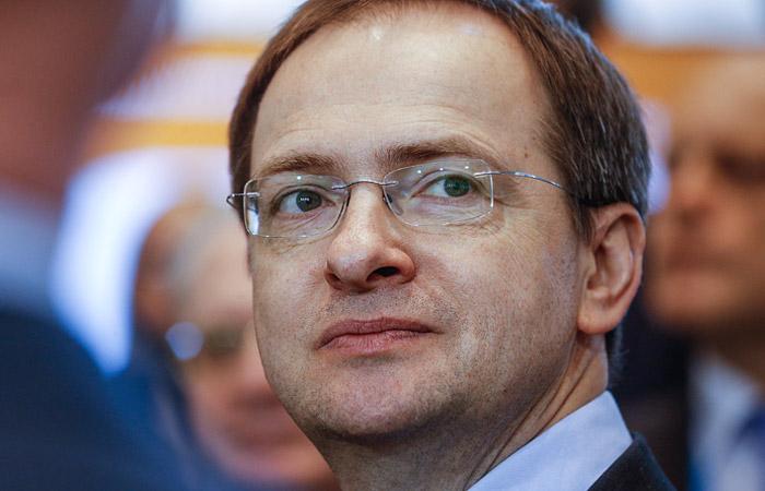 """""""Ъ"""" рассказал о претензиях совета ВАК к диссертации Мединского"""