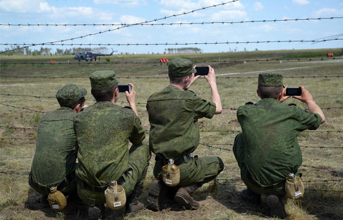 Военным-контрактникам собрались ограничить публикации в интернете