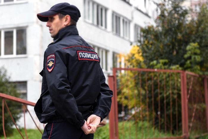 В Москве после анонимных звонков эвакуированы пять школ