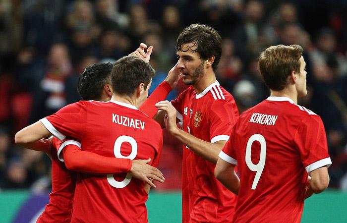 Русские  футболисты вконце осени  сыграют с 2-мя  сборными топ-уровня