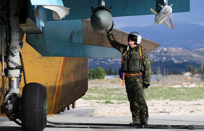 РФнебудет уменьшать военную группировку после основной фазы операции вСирии