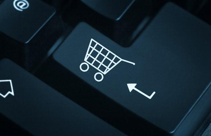 Эксперимент с взиманием пошлин за онлайн-покупки наметили на май 2018 года