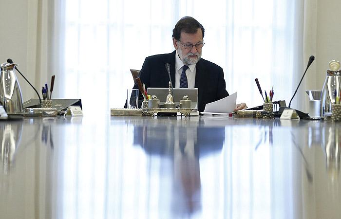 Правительство Испании поддержало ограничение автономного управления в Каталонии