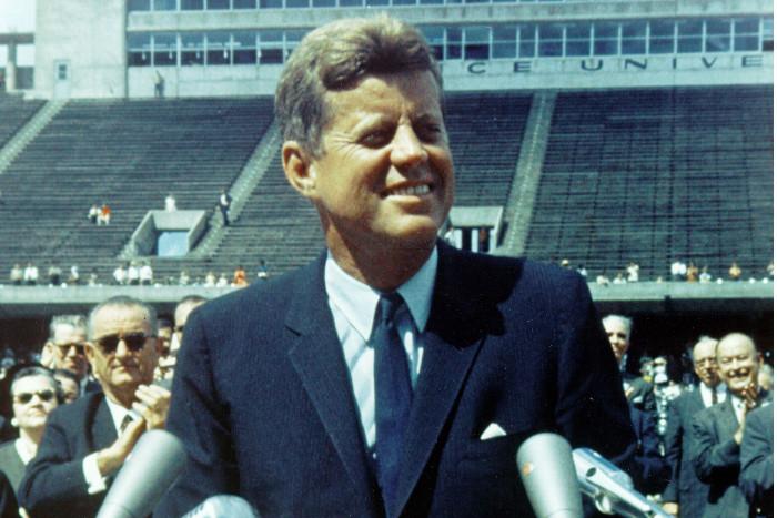 Трамп поручил опубликовать почти 3 тыс. документов об убийстве Кеннеди