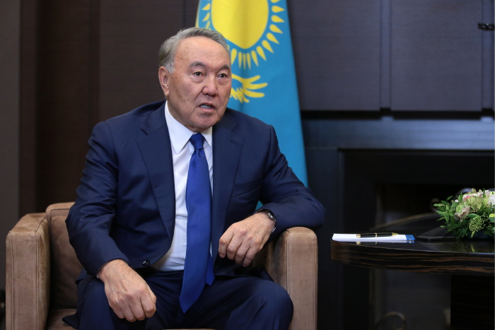 Назарбаев издал указ о переходе казахского алфавита на латиницу