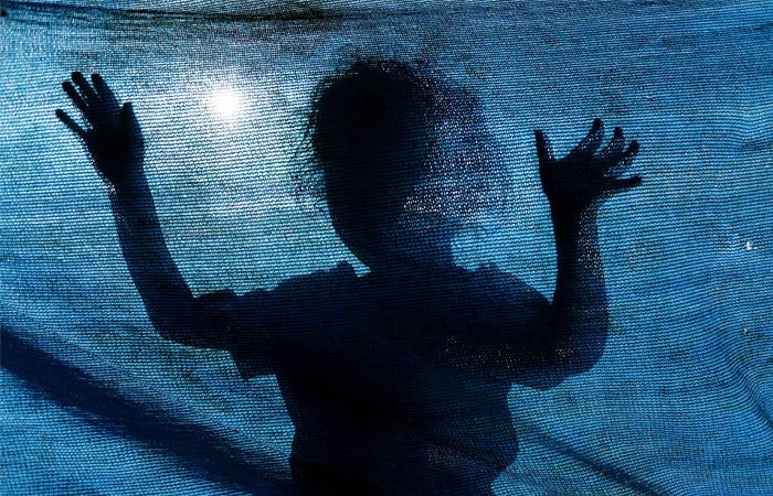 Напавший сножом надетсад вАрмении мужчина держит взаложниках ребенка