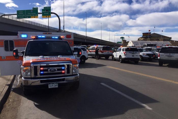 В американском штате Колорадо неизвестный открыл стрельбу