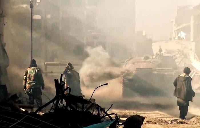 Четверо российских журналистов ранены взрывом фугаса в Сирии