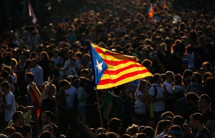 Испанский суд отменил независимость Каталонии