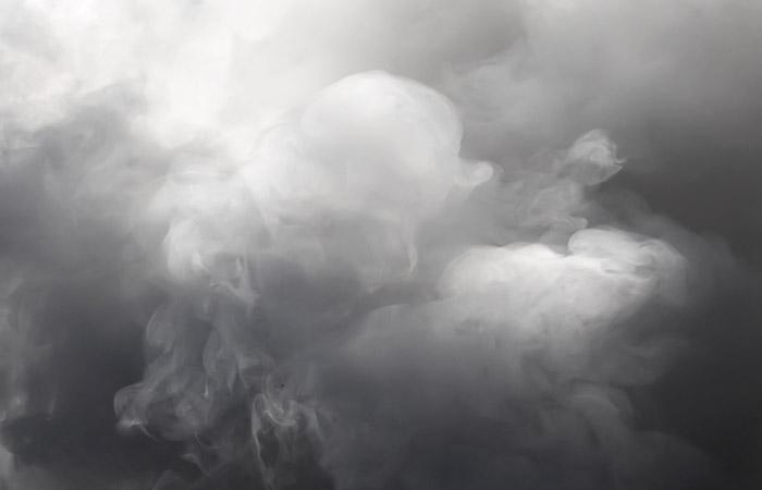 Связь с тремя людьми пропала на горящем объекте СВР в районе МКАД