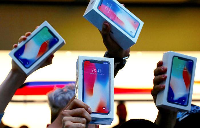 Капитализация Apple впервый раз превысила 900 млрд долларов назакрытии торгов