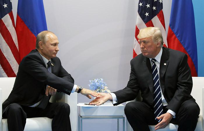 Ушаков назвал предполагаемую дату встречи Путина и Трампа
