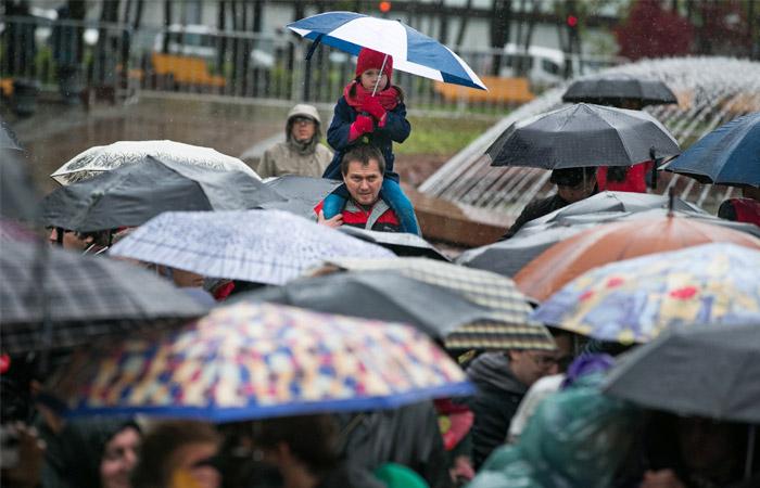 КСобязал депутатов уведомлять овстречах сизбирателями вформе митинга
