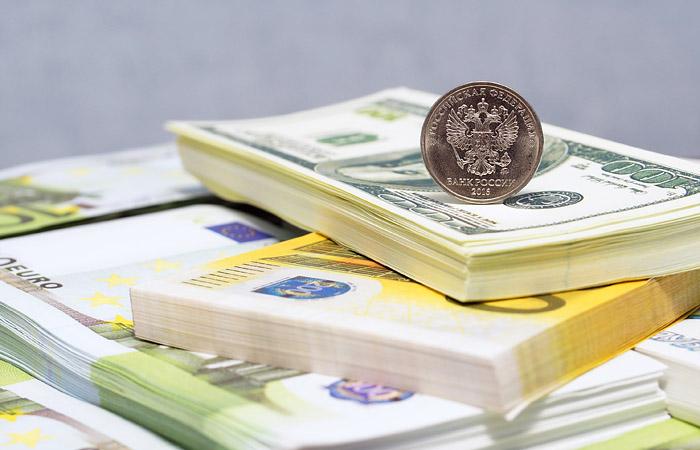 Полковник Захарченко, укоторого отыскали миллиарды, заявил, что откладывал деньги с заработной платы