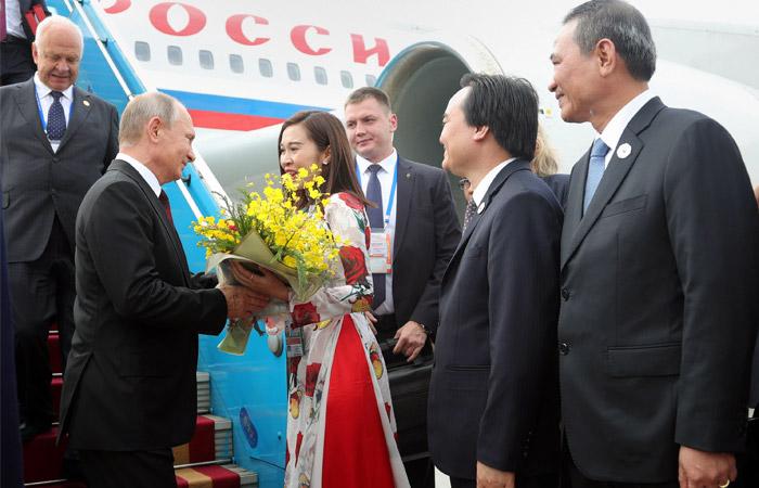 Песков заявил о продолжающемся согласовании встречи Трампа с Путиным во Вьетнаме