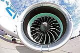 Россия и ОАЭ обсудили создание пассажирского самолета