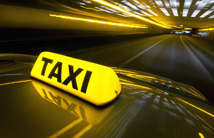 Mail.ru начала переговоры о закупке доли группы такси-сервисов «Везет»
