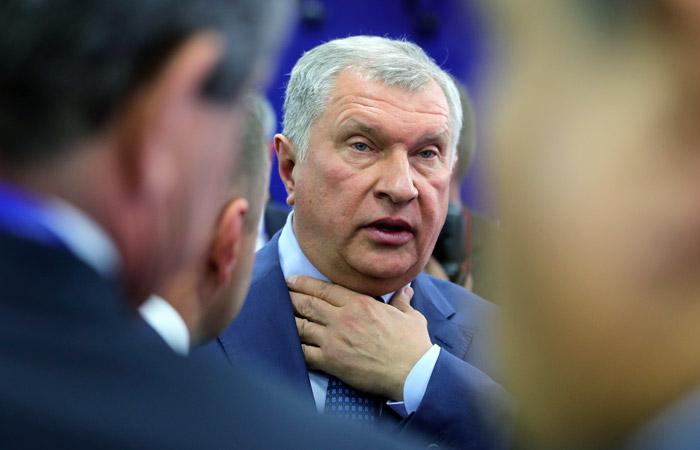 Сечин в третий раз вызван повесткой в суд по делу Улюкаева