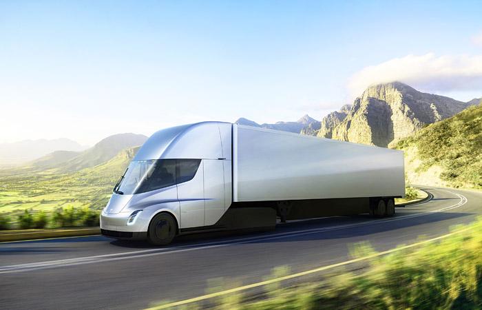 Tesla представила свой первый электрический грузовик