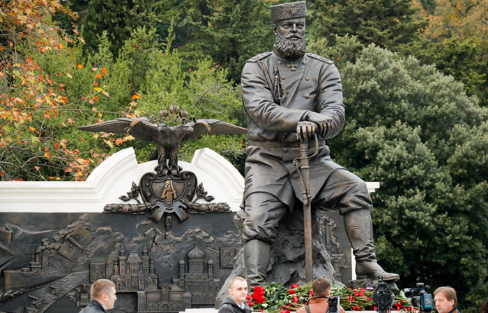 Скульптор Ковальчук ответил на исторические претензии к памятнику Александру III