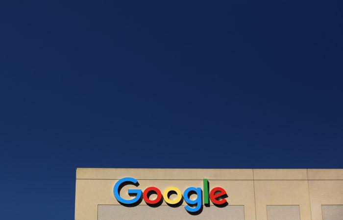"""Роскомнадзор начал готовить ответные меры из-за плана Google """"ранжировать"""" RT и Sputnik"""