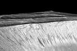 Соленые ручьи на Марсе оказались потоками песка