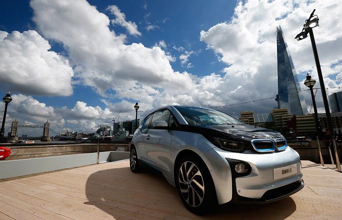 BMW отозвала электромобили i3 из-за риска при их использовании низкими людьми