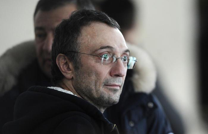 Французское правосудие предъявило обвинения Керимову