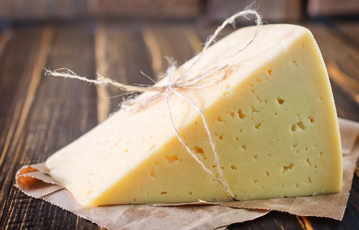 Россельхознадзор временно запретил поставки сыра сРубцовского молочного завода
