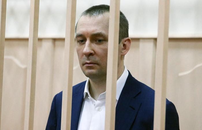 Полковника Захарченко обвинили в трех эпизодах получения взяток