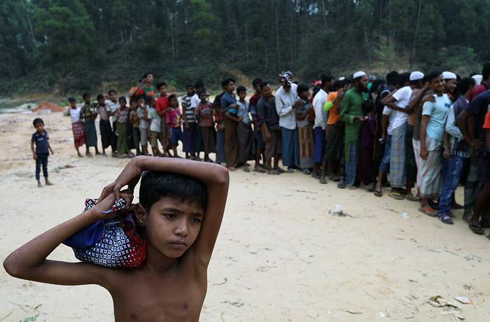 Власти Бангладеш намерены поселить беженцев-рохинджа на необитаемом острове
