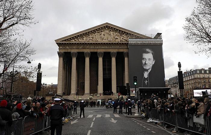 Франция простилась с Джонни Холлидеем