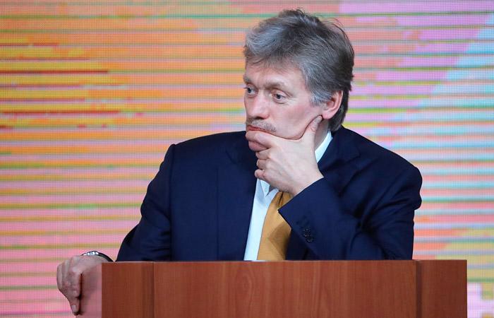 Песков объяснил нежелание Путина упоминать фамилию Навального