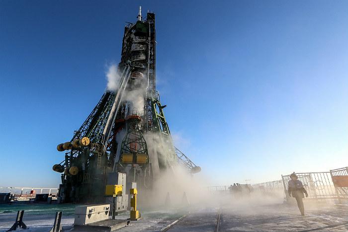 Космический корабль с экипажем стартовал с Байконура к МКС