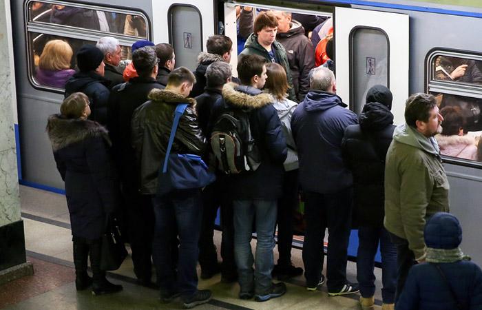 Движение на Калужско-Рижской линии метро в Москве вернулось в норму после 40-минутного сбоя