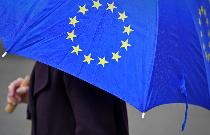 Совет ЕС на полгода продлил экономические санкции против России