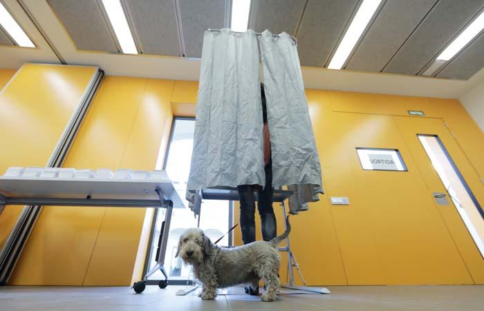 В Каталонии завершилось голосование на парламентских выборах