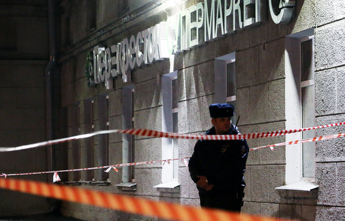 Девять человек госпитализированы после взрыва в петербургском супермаркете